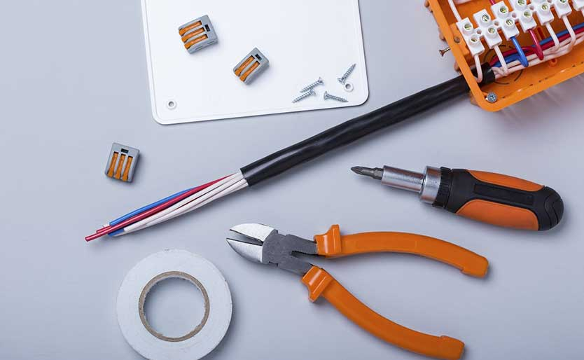 4 Tips to Consider While Choosing Electricians
