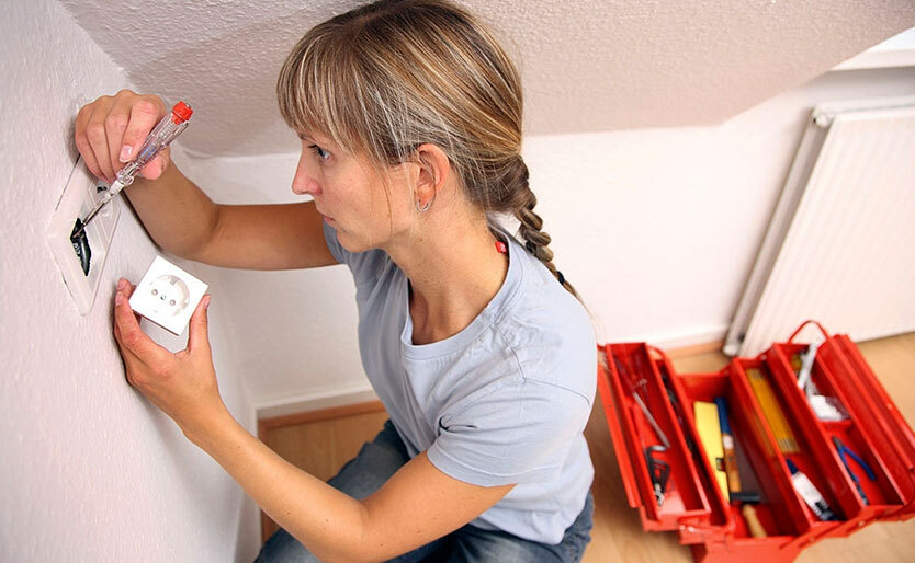 Five Potentially Dangerous Mistakes Made By Electrical DIYers