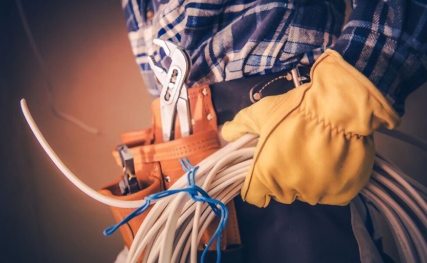 What Qualities Should You Look For in an Electrician?