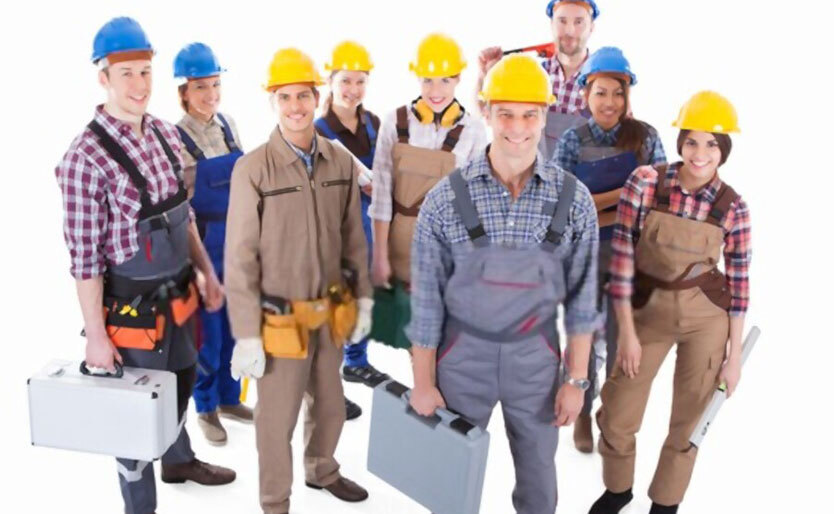 What is the difference between commercial, residential, and industrial electricians?